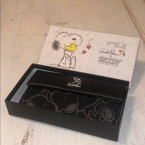 Handbags - Arnold Palmer Snoopy crossbody